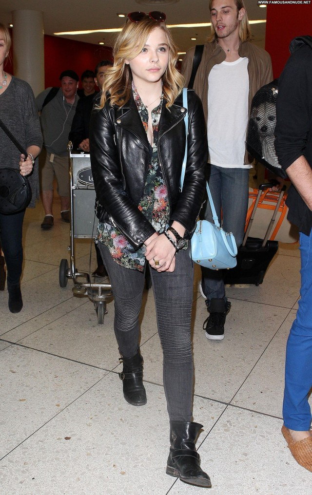 Chl  E Moretz Lax Airport Lax Airport Posing Hot Beautiful Babe