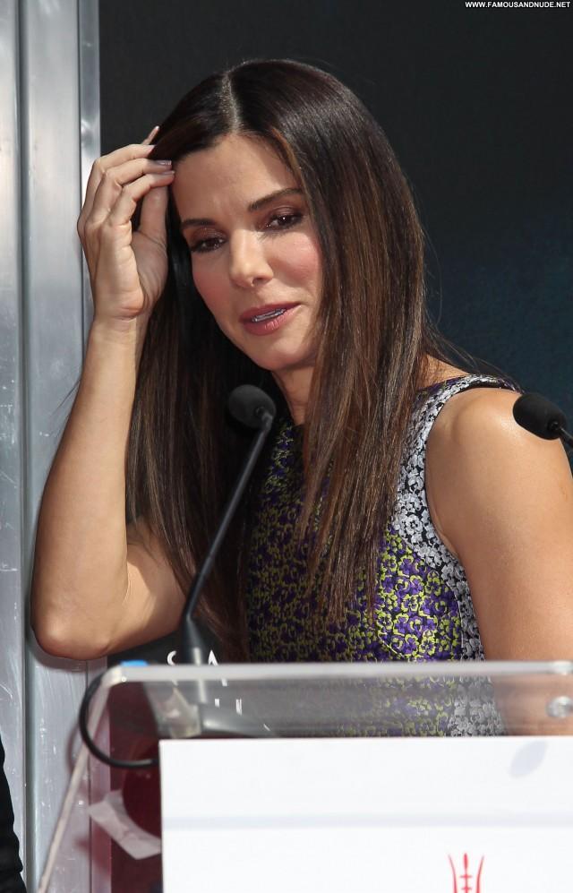 Sandra Bullock Chinese High Resolution Beautiful Posing Hot