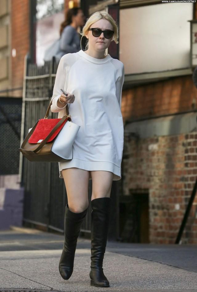 Dakota Fanning New York Posing Hot Candids High Resolution Celebrity