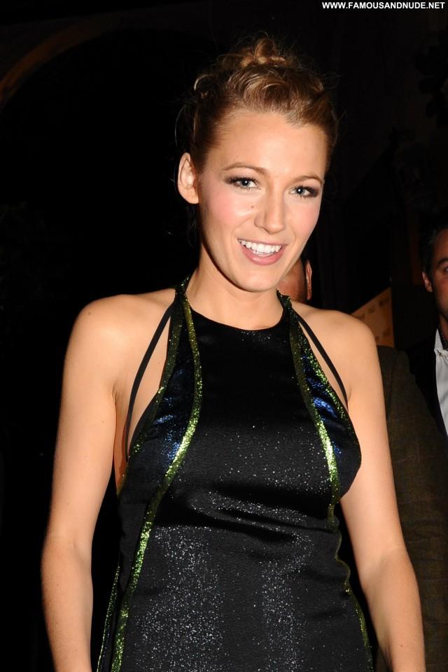 Maria Menounos West Hollywood Babe Beautiful Awards High Resolution