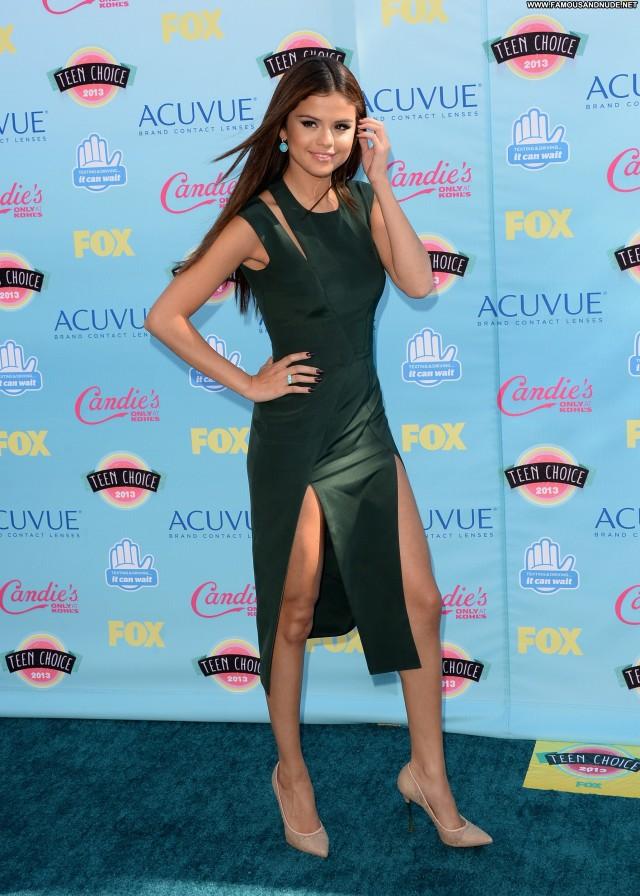 Selena Gomez No Source Teen High Resolution Beautiful Posing Hot Babe