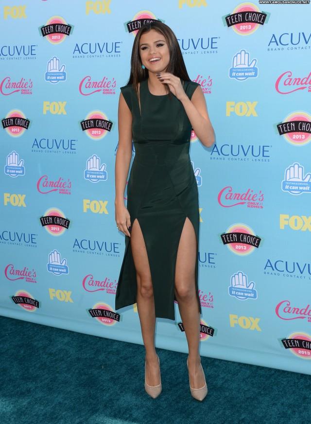 Selena Gomez No Source Teen Beautiful Posing Hot High Resolution