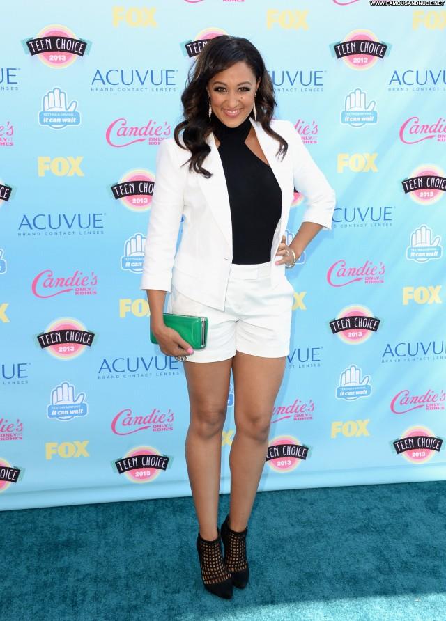 Tamera Mowry No Source High Resolution Babe Celebrity Posing Hot