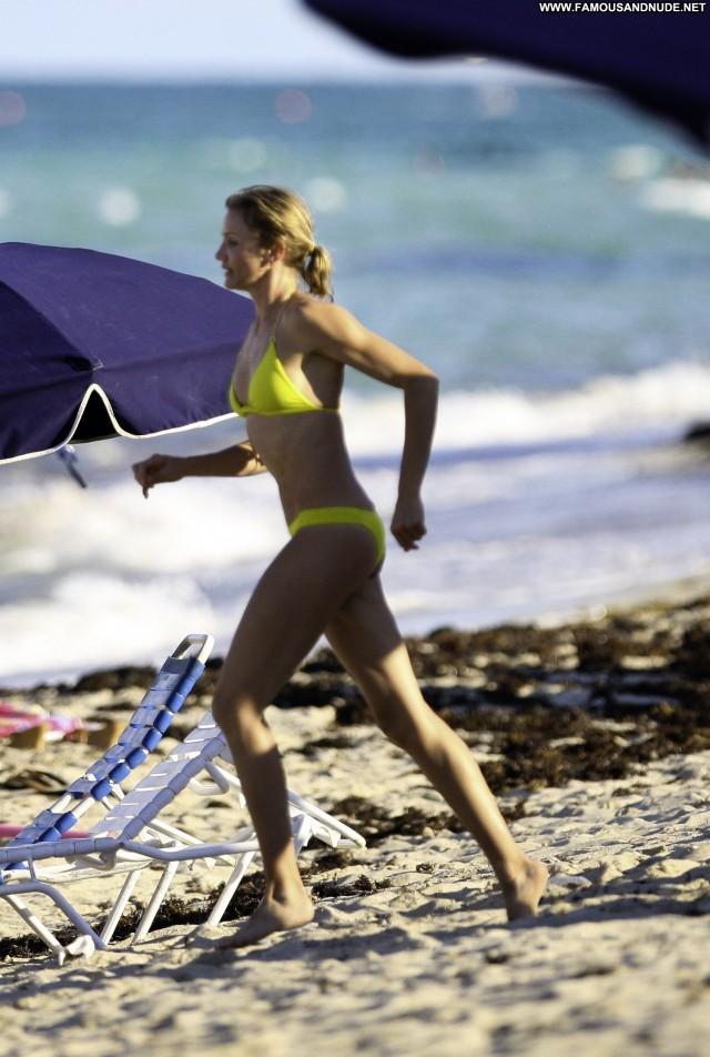 Cameron Diaz South Beach Babe Bikini High Resolution Beach Posing Hot