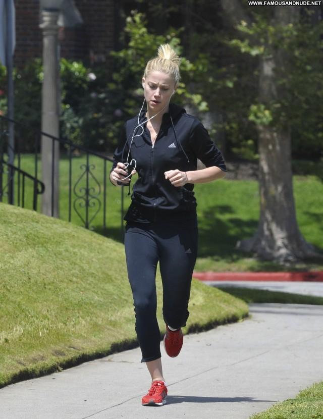 Amber Heard No Source Babe High Resolution Jogging Celebrity Posing
