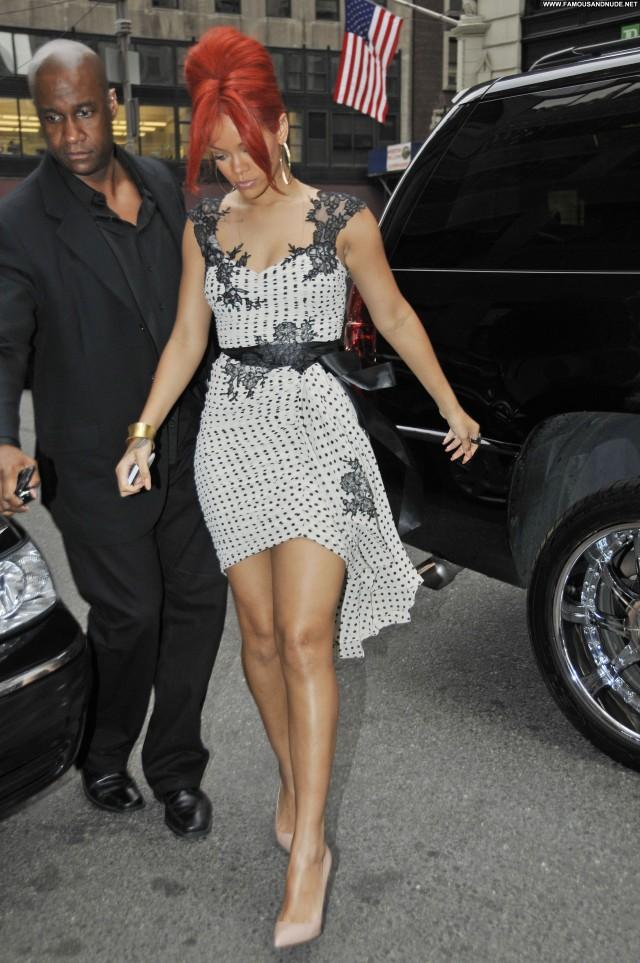 Rihanna Manhattan Posing Hot Babe Beautiful High Resolution Celebrity