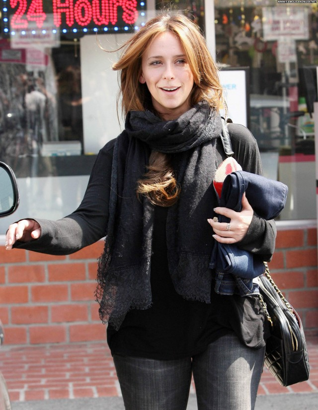 Jennifer Love Hewitt Los Angeles High Resolution Los Angeles Posing