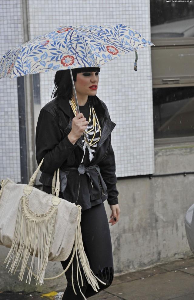 Jessie J Daybreak High Resolution Posing Hot Babe Beautiful London