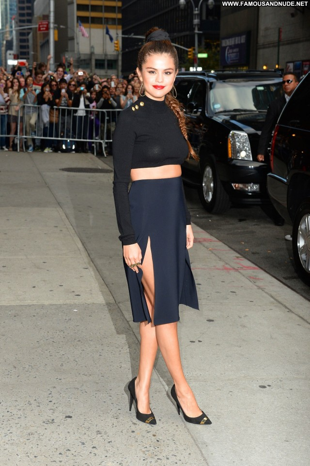 Selena Gomez Late Show With David Letterman Posing Hot Celebrity Babe