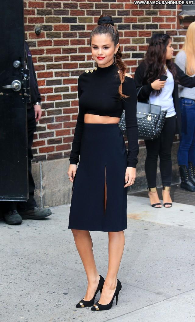 Selena Gomez Late Show With David Letterman Beautiful Babe Posing Hot