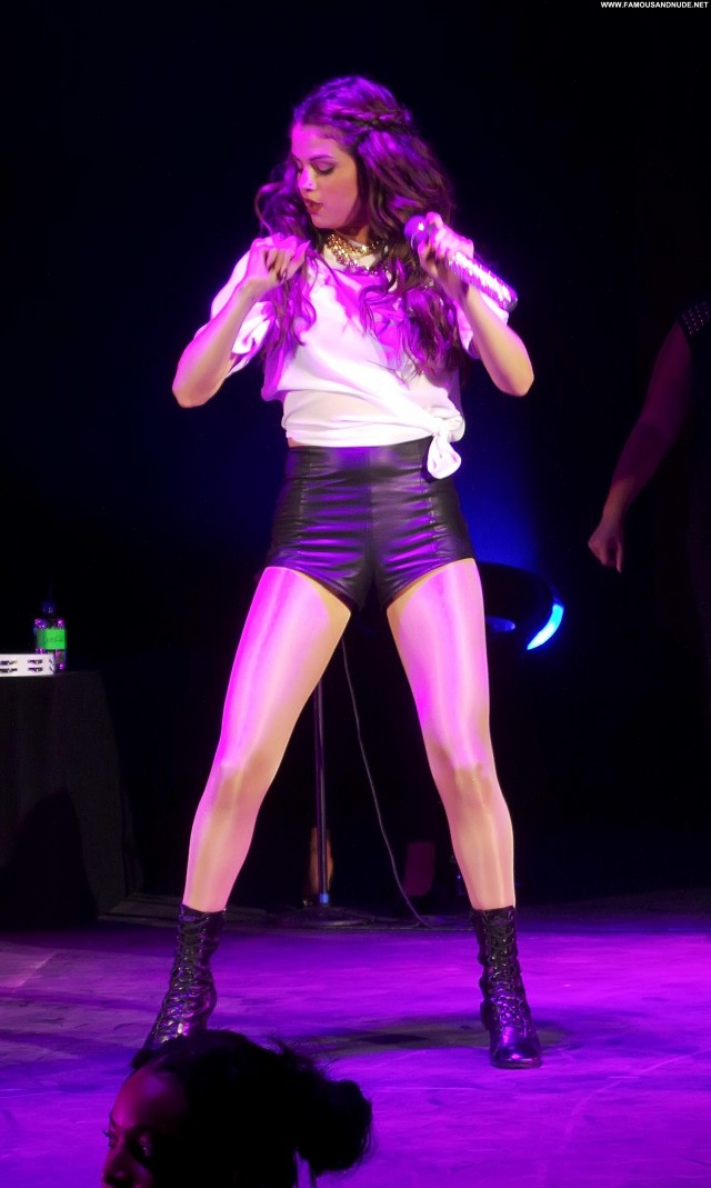 Selena Gomez No Source High Resolution Candids Beautiful Celebrity