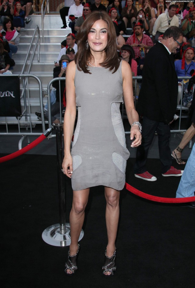 Teri Hatcher Stranger Beautiful Babe Celebrity Posing Hot High