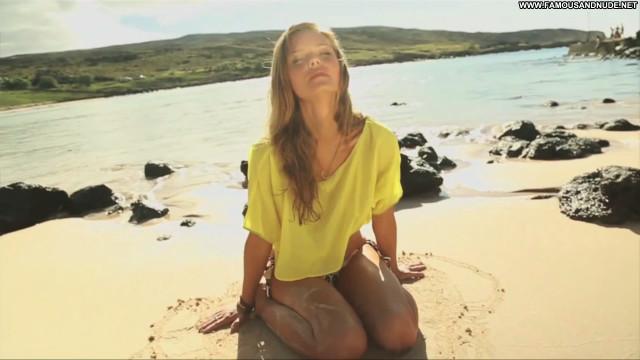 Jessica Perez Sports Illustrated Swimsuit Swimsuit Posing Hot