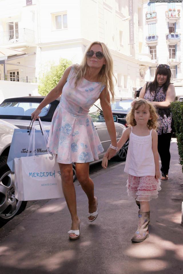 Geri Halliwell Shopping Daughter High Resolution Beautiful Shopping