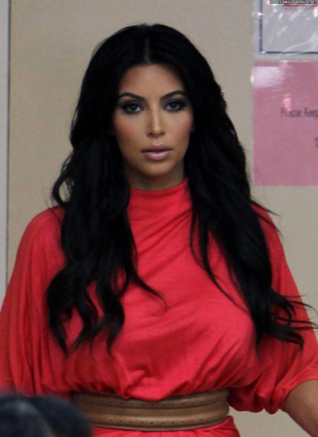 Kim Kardashian Beverly Hills Nail Salon Beautiful Posing Hot Babe