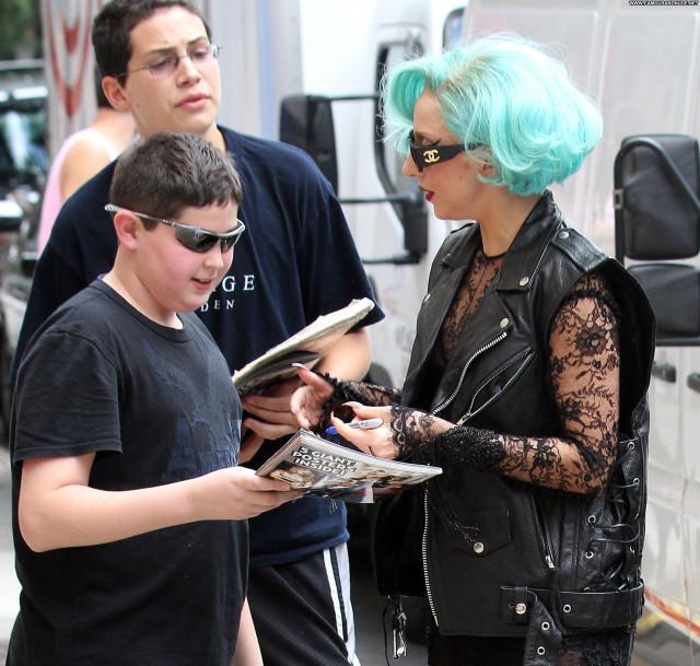 Lady Gaga Manhattan Babe Beautiful Green Hair High Resolution Posing