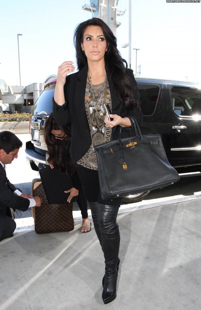 Kim Kardashian Lax Airport Posing Hot Babe High Resolution Lax