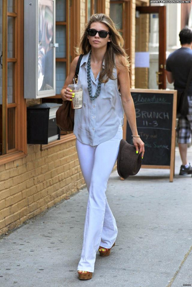 Annalynne Mccord No Source Posing Hot Celebrity Babe High Resolution