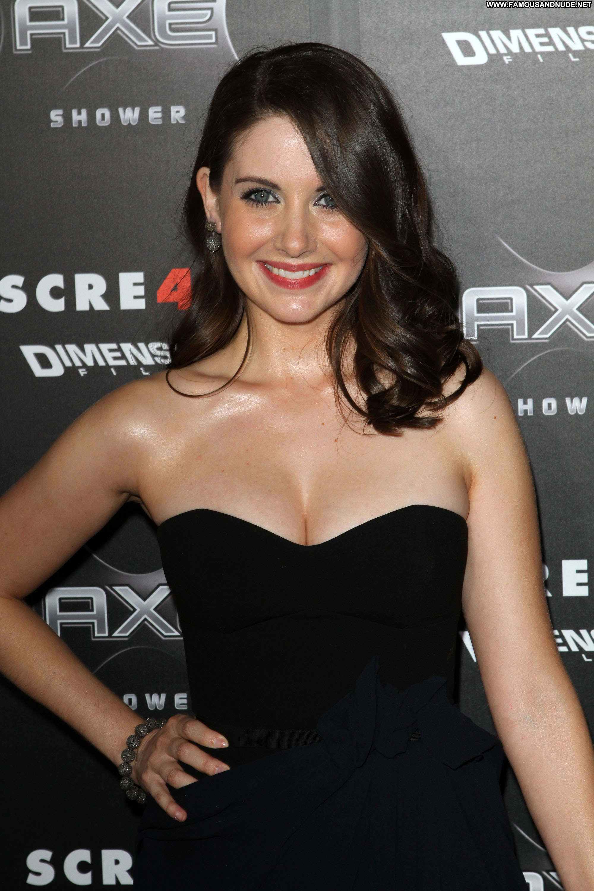 Alison Brie (12)   Hot Celebs Home