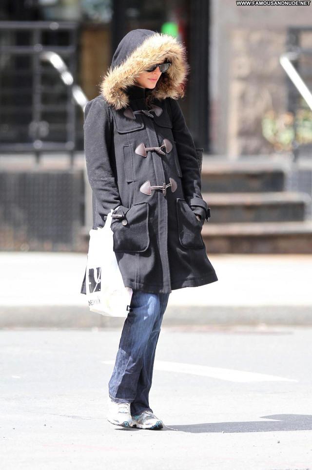 Natalie Portman Manhattan Celebrity High Resolution Babe Posing Hot