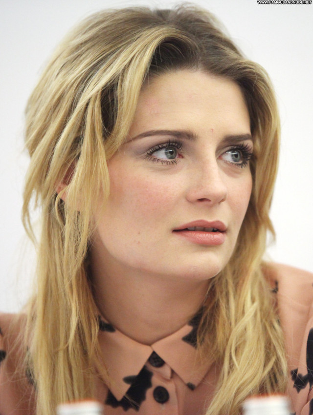 Mischa Barton You And I High Resolution Celebrity Babe Posing Hot
