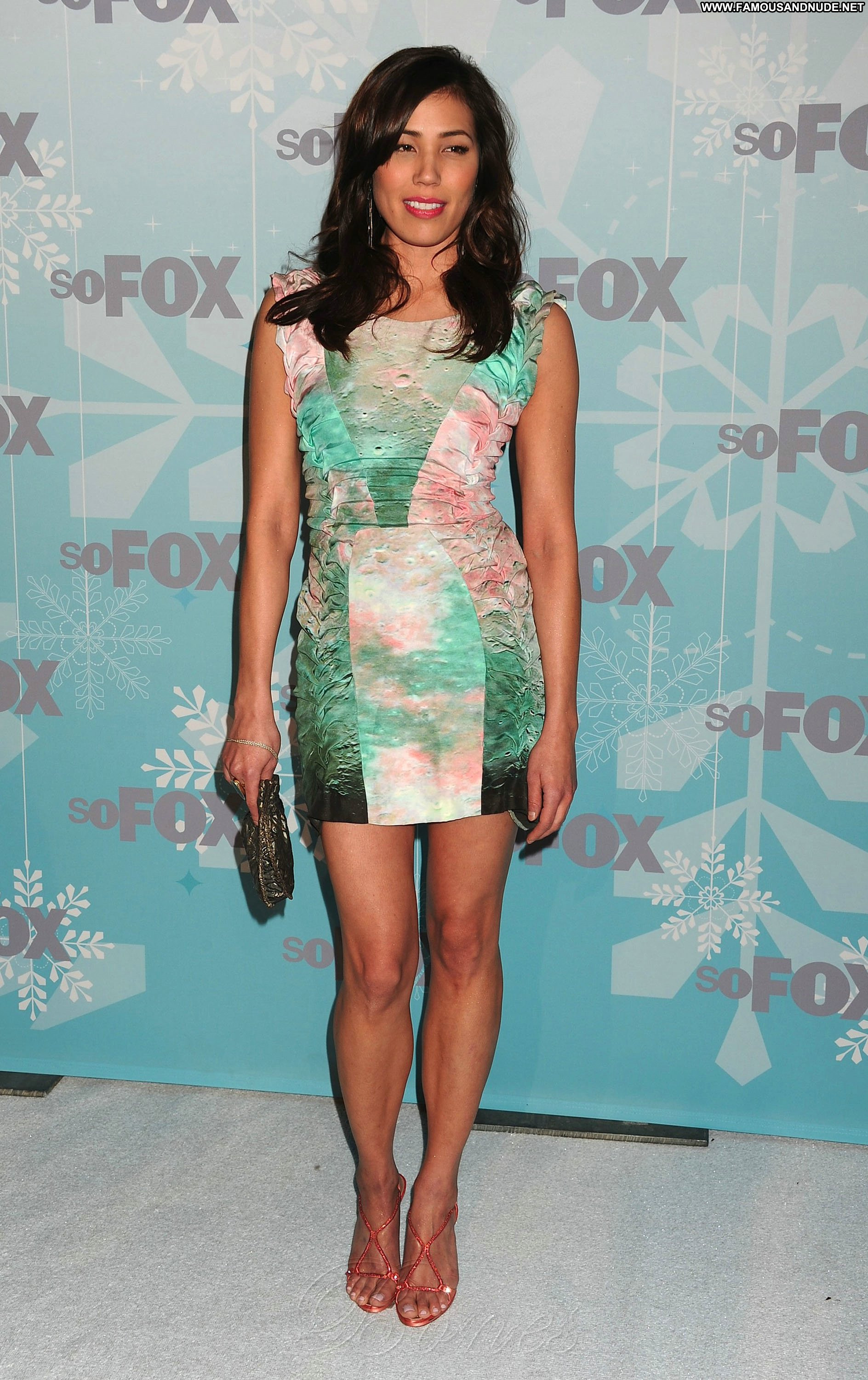 Michaela Conlin No Strings Attached No Strings Attached Celebrity Beautiful Babe Posing Hot ...