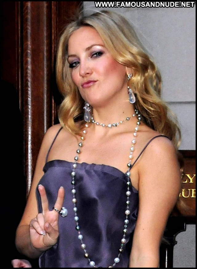 Kate Hudson New York Big Tits Beautiful Babe New York Posing Hot