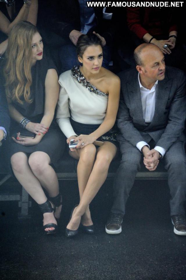 Jessica Alba Fashion Show Paris Beautiful Lingerie Fashion Posing Hot