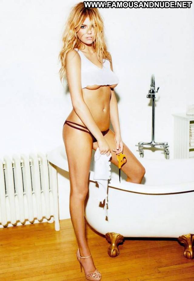 Kate Upton Esquire Magazine Usa Babe Posing Hot Celebrity Beautiful