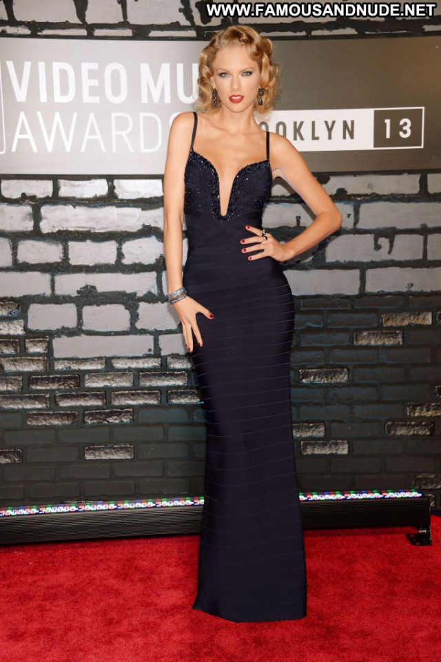 Taylor Swift Red Carpet Red Carpet Babe Awards Pretty Beautiful