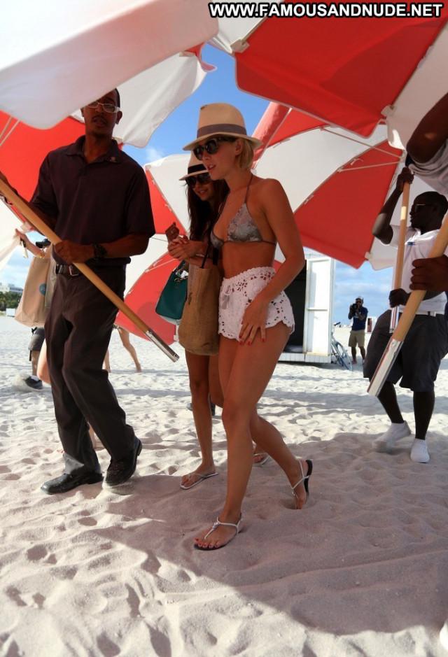 Julianne Hough No Source  Nice Usa Posing Hot Celebrity Beautiful