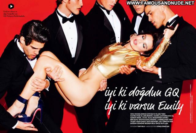 Emily Ratajkowski No Source Topless Actress Usa Posing Hot Turkey