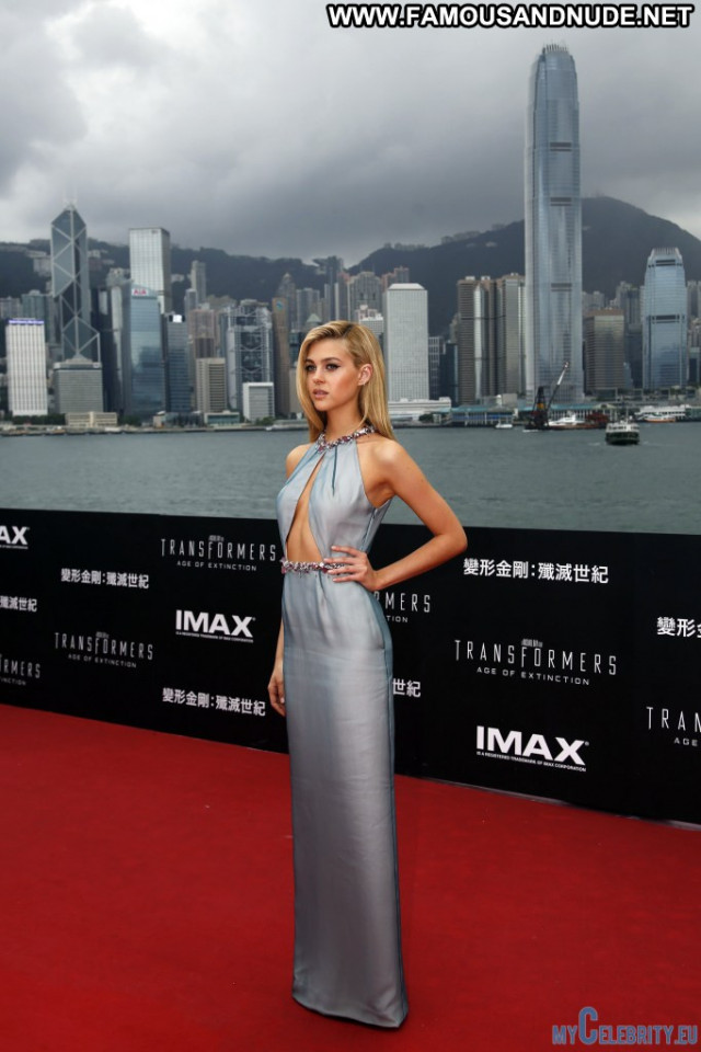 Nicola Peltz Red Carpet Usa Celebrity Babe Beautiful Posing Hot