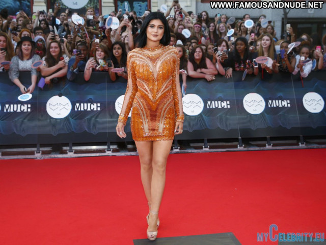 Kendall Jenner Red Carpet Babe Posing Hot Beautiful Usa Awards