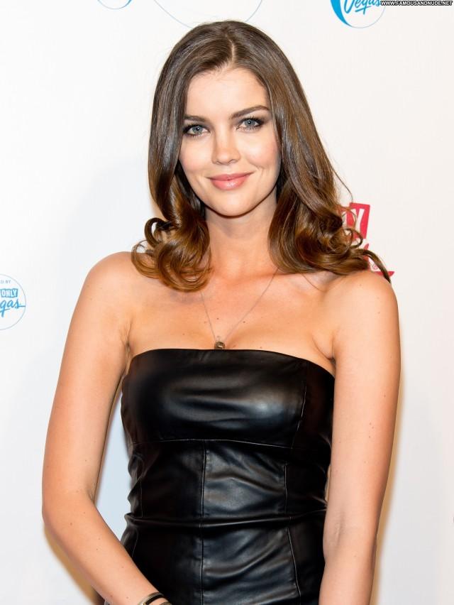 Natasha Barnard Sports Illustrated Swimsuit Celebrity Babe Party