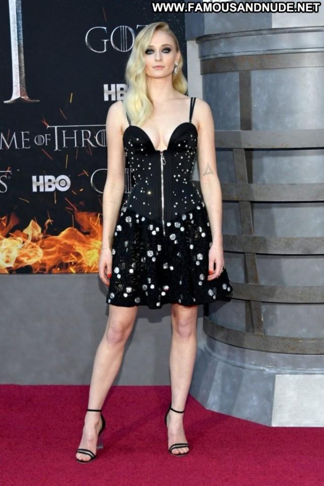 Sophie Turner Game Of Thrones New York Celebrity Beautiful Posing Hot