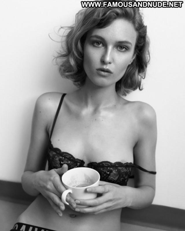 Madison Leyes Michael Woloszynowicz Photo Posing Hot Babe Beautiful