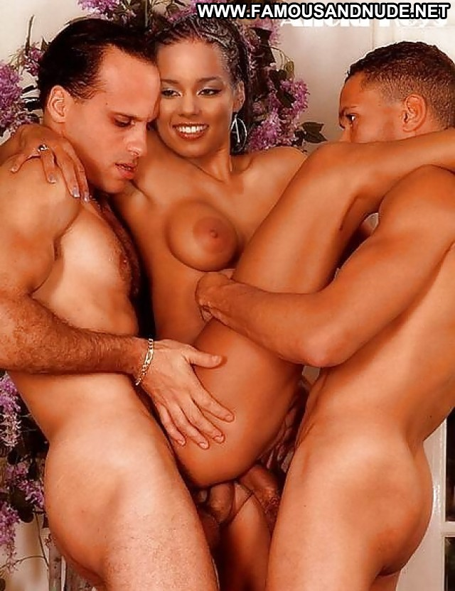 Alicia keys nude and see through for stella mccartney