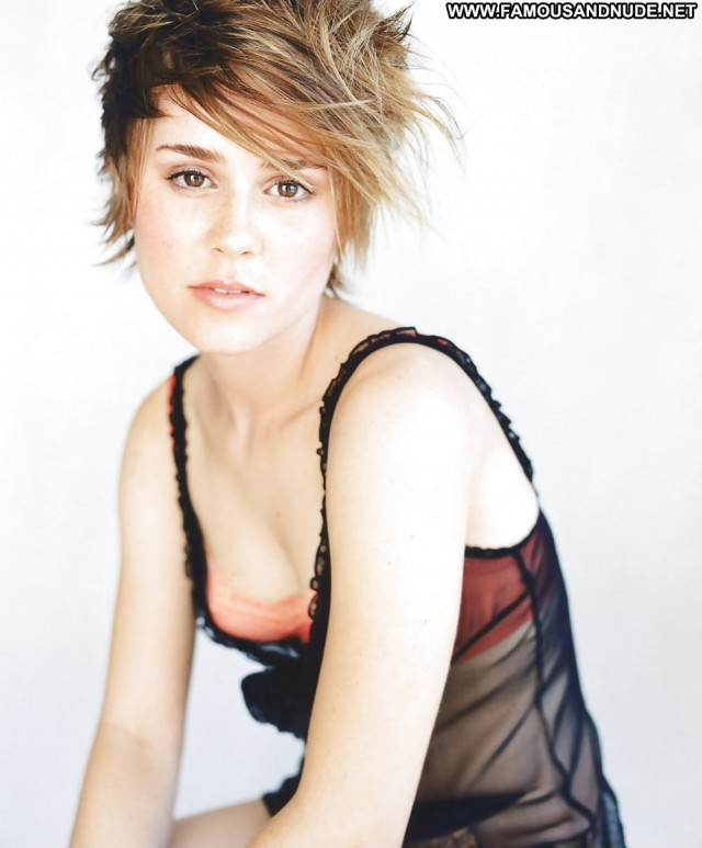 Alison Lohman Pictures Babe Celebrity Photoshoot Doll Gorgeous Nude
