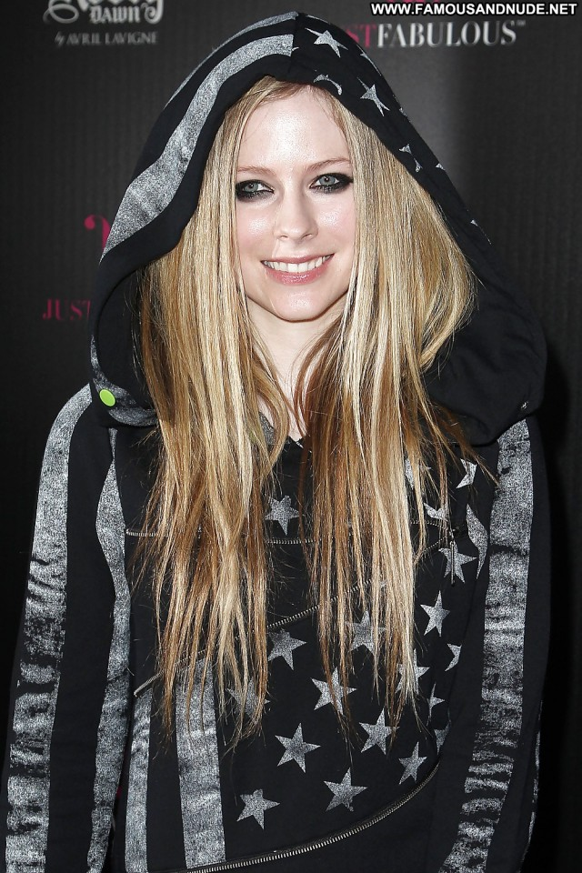 Avril Lavigne Pictures Amateur Facial Celebrity