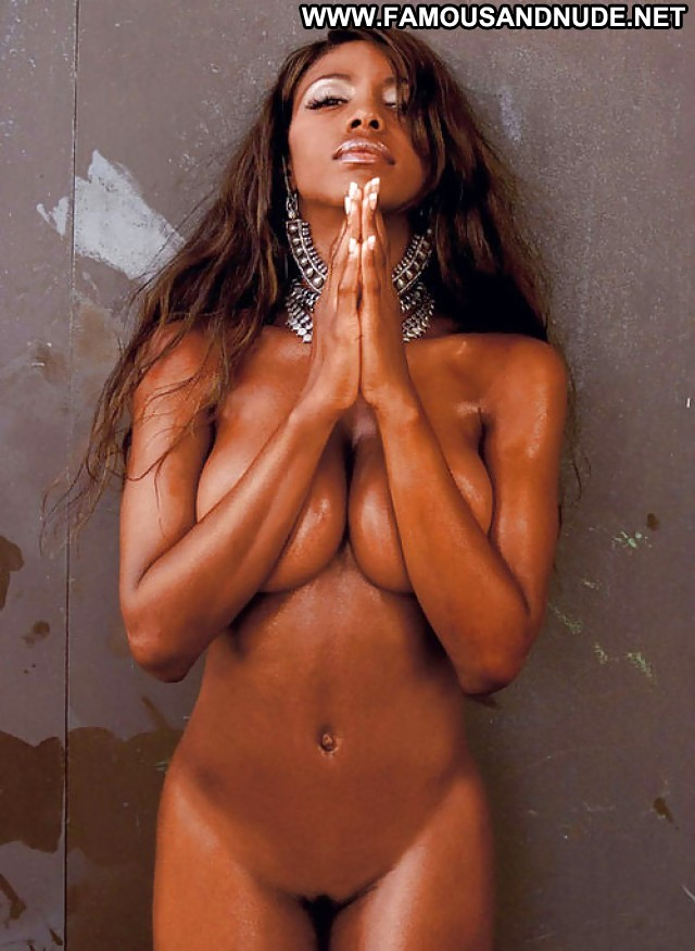 Rosario dawson see perfect nude tits of this lovely ebony celeb