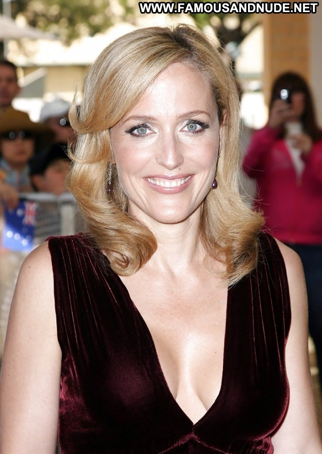 Gillian Anderson Pictures Celebrity Stripper Sexy Actress Hot Redhead