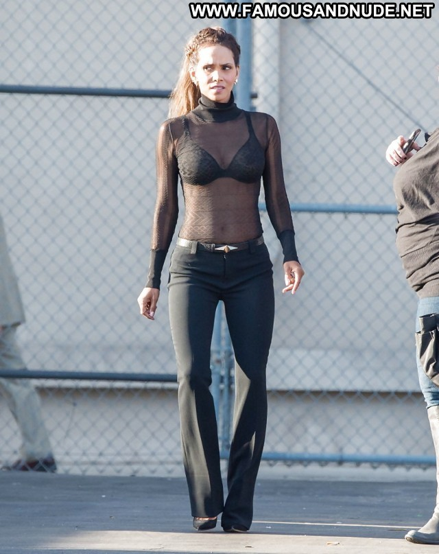 Halle Berry Pictures Hot See Thru Celebrity Milf Sea