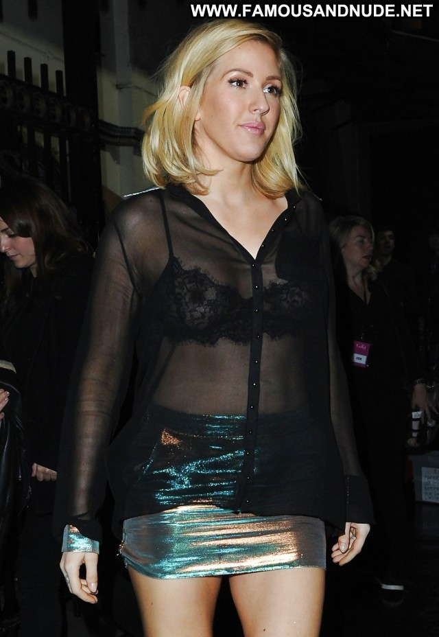 Ellie Goulding Pictures Singer Gorgeous Sea Hot Celebrity British