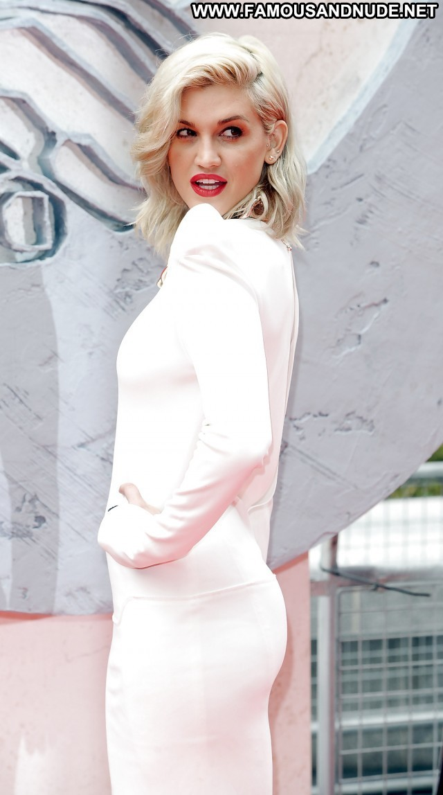 Ashley Roberts Pictures Hot Blonde Sea Babe Celebrity